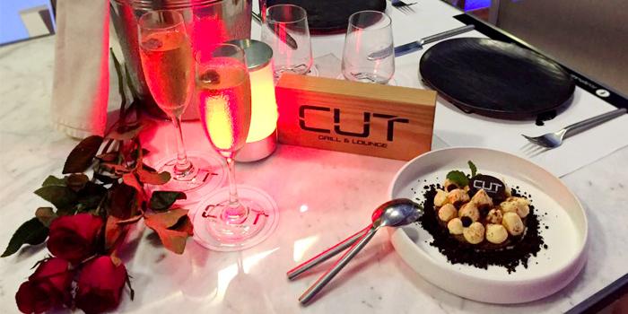 Cut Grill & Lounge