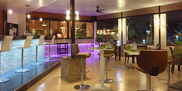Restaurant-Atmosphere of Bellini in Chalong, Phuket, Thailand