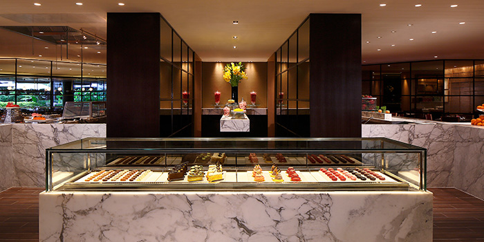 Patisserie Counter from Melt Cafe at Mandarin Oriental in Marina Bay, Singapore