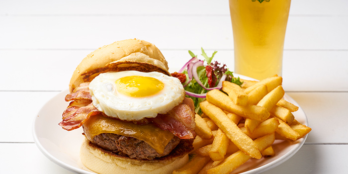 Super Burger & Beer from Coastes in Sentosa, Singapore