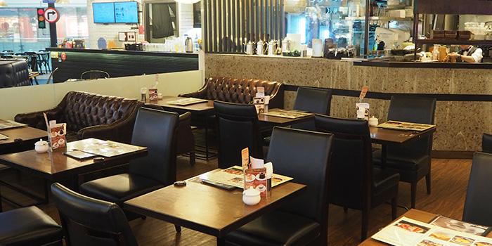 Interior of Hoshino Coffee (Plaza Singapura) in Dhoby Ghaut, Singapore