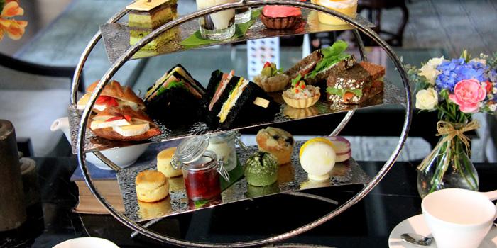 La Vie en Rose Afternoon from Sapphire Bar at The Sukosol, Bangkok Tea