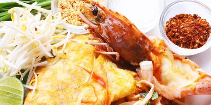 Pad-Thai-Shrimp from ELLA Bar & Bistro in Patong, Phuket, Thailand.