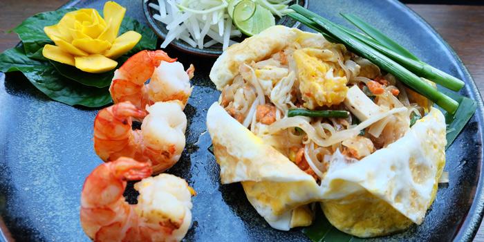 Pad Thai from Smooth Curry at Plaza Athénée Bangkok, A Royal Meridien Hotel, Bangkok