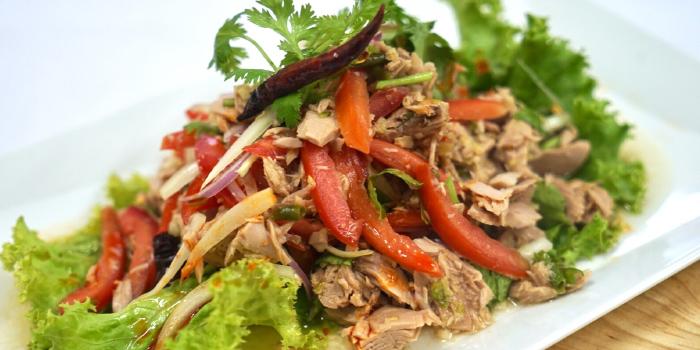 Spicy Tuna Salad from BrewBridge Craft BEER in Cherngtalay, Phuket, Thailand.