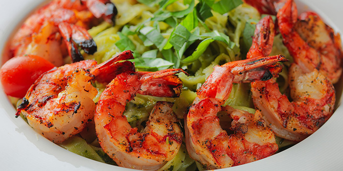 Fettuccine with Shrimp in Pesto Sauce, Amaroni