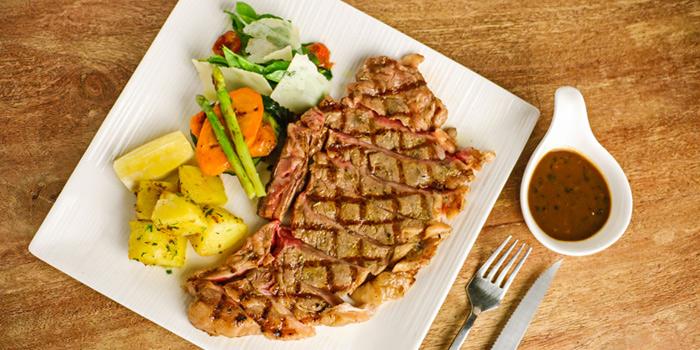 Florentine T-Bone Steak from Cantina Wine Bar & Italian Kitchen in Soi Ari 3, Bangkok