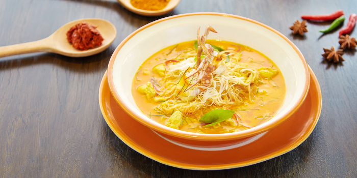 Mee Hoon Gaeng Poo from Bubbles Restaurant in Patong, Phuket, Thailand.