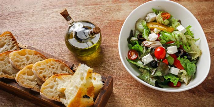 Mixed Green Salad from Cantina Wine Bar & Italian Kitchen in Soi Ari 3, Bangkok