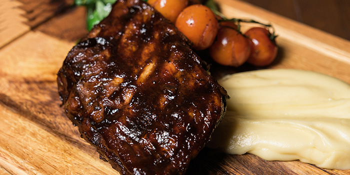 Rack of Ribs from Napoleon Food & Wine Bar at Telok Ayer in Raffles Place, Singapore
