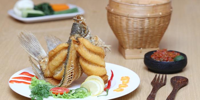 Fried Gurame Fish at Batik Kuring