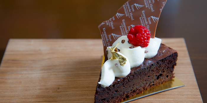 Classic Gateau Chocolate Cake from Hanuman Bar at Siam Kempinski Hotel, Bangkok