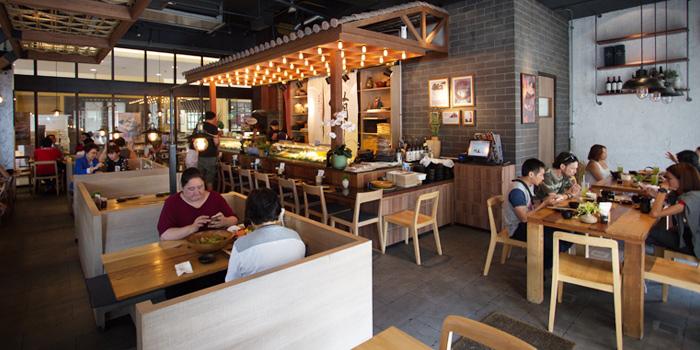 Dining Table from MAGURO Sushi - Chic Republic Bangna in Bangna-Trad Road, Bangkok