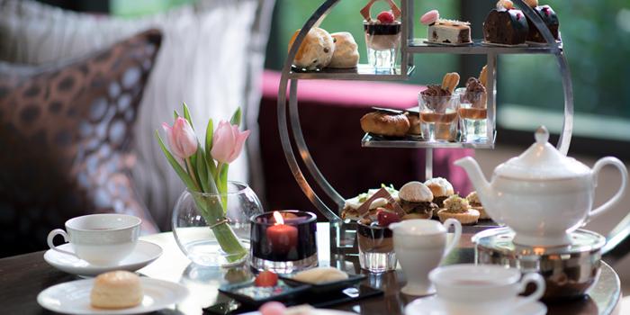 Heritage Afternoon Tea Set from Hanuman Bar at Siam Kempinski Hotel, Bangkok