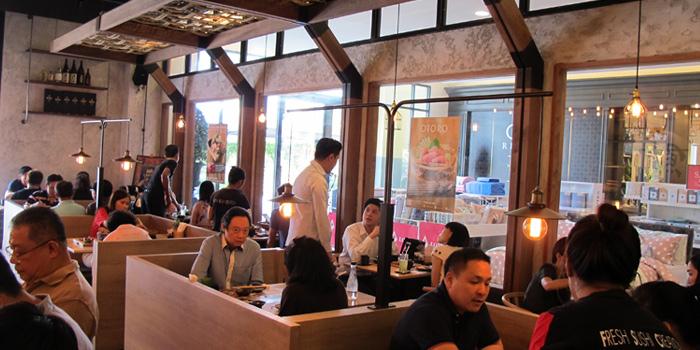 Interior of MAGURO Sushi - Chic Republic Bangna in Bangna-Trad Road, Bangkok