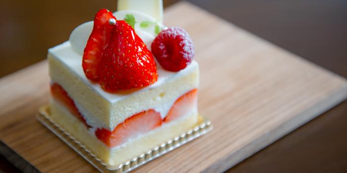 Strawberry Short Cake from Hanuman Bar at Siam Kempinski Hotel, Bangkok