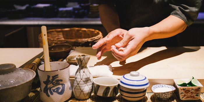 Sushi Making from Mizu by Sankyodai at Chaan Issara Tower on Rama IV Road, Bangkok