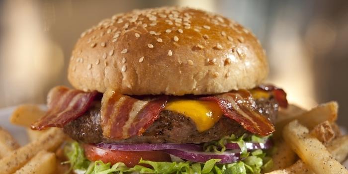 Classic Bacon Burger at Chili