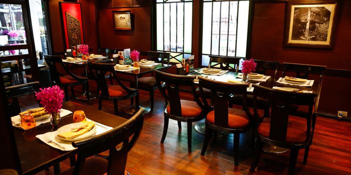 Dining Area from Mango Tree Surawong in Surawong Road, Bangkok