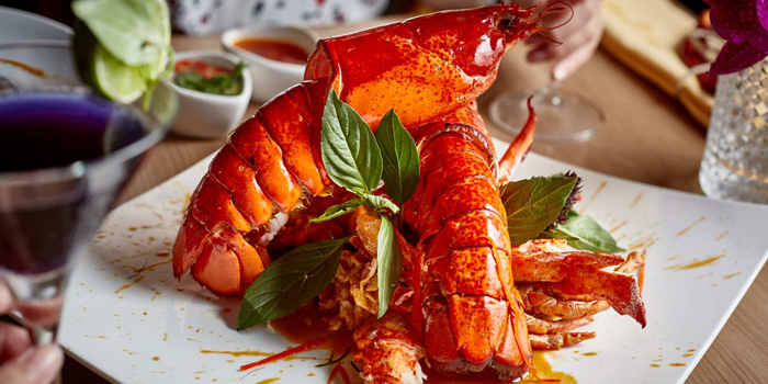 Lobster from Mango Tree On The River at Yodpiman River Walk Shopping Paradise