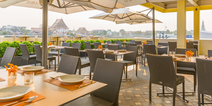Outdoor Dining Tables from Mango Tree On The River at Yodpiman River Walk Shopping Paradise