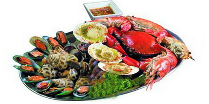 Mix Grilled Seafood from Lhao Lhao Restaurant on Phaholyothin Road, Bangkok