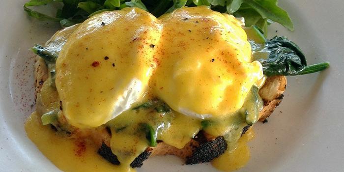 Spinach & Eggs Benedict, Padstow Restaurant & Bar, Sai Kung, Hong Kong