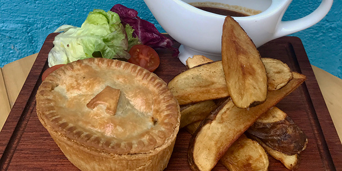 Steak & Kidney Pie, Padstow Restaurant & Bar, Sai Kung, Hong Kong
