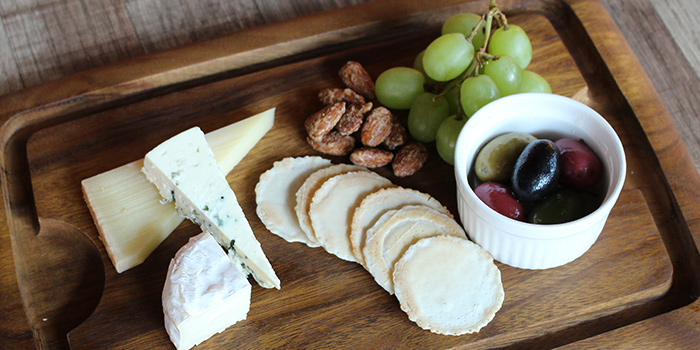 Cheese Platter from Bodacious at Biopolis in Bouna Vista, Singapore