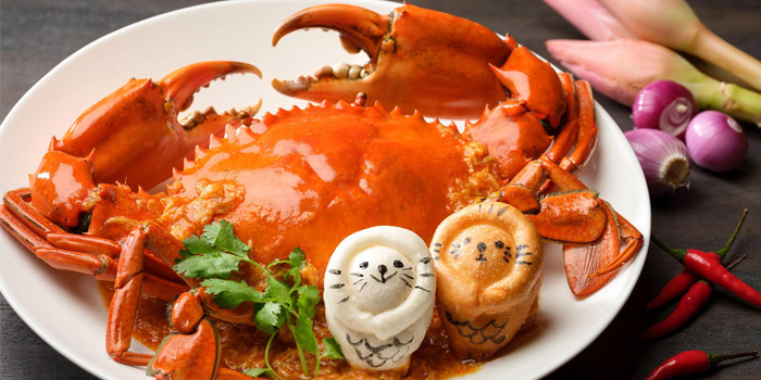 Singapore Chilli Crab with Merlion Mantoufrom Xin Cuisine Chinese Restaurant in Outram, Singapore