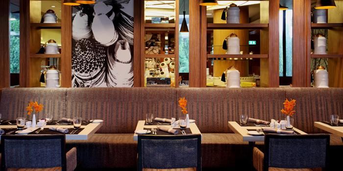 Dining Table from Chatuchak Cafe at Centara Grand at Central Plaza Ladprao Bangkok, Bangkok