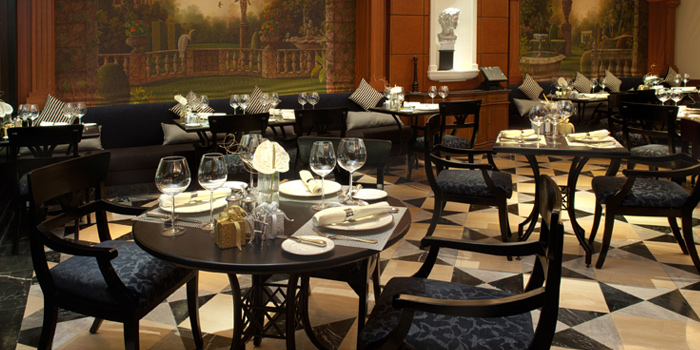 Dining Table from Don Giovanni Restaurant at Centara Grand at Central Plaza Ladprao Bangkok, Bangkok