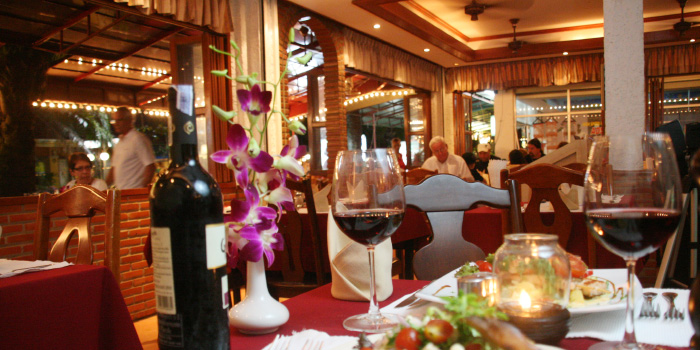 Restaurant Ambiance of Karlsson Restaurant & Steakhouse Karon in Karon, Phuket, Thailand