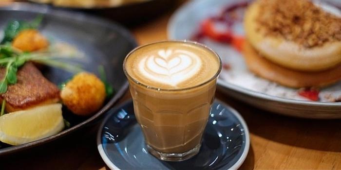 Coffee at Maple & Oak