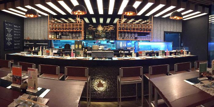 Restaurant-Ambiance of Sea Truffles Seafood Bar at The Opus Building, Bangkok