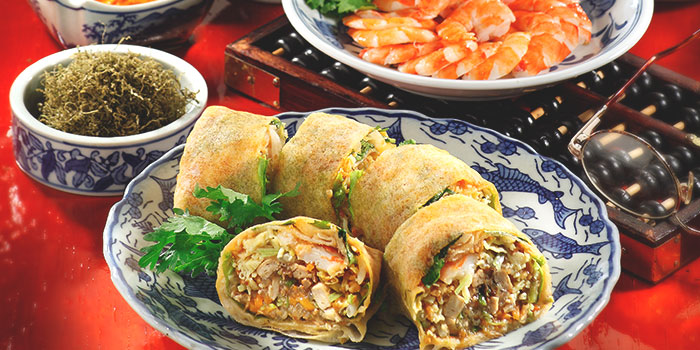 Traditional Popiah from Spring Court in Chinatown, Singapore