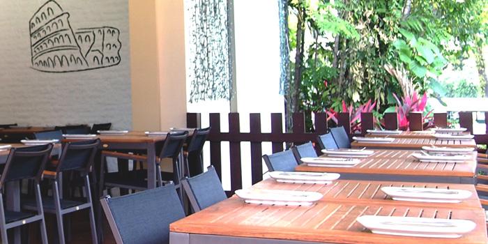 Al Fresco Area of Spizza at Balmoral Plaza in Bukit Timah, Singapore