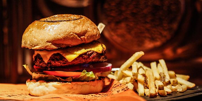 Cheese Burger, Cali-Mex Bar and Grill, Lan Kwan Fong, Hong Kong