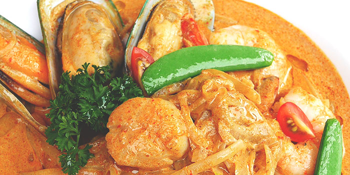 Laksa Pasta with Prawns, Scallops and Mussels from Place to READ in Dhoby Ghaut, Singapore