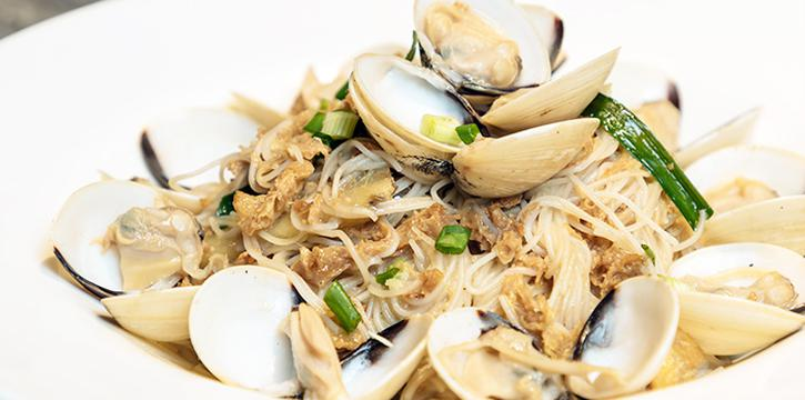 Clam Beehoon from HolyCrab in City Hall, Singapore
