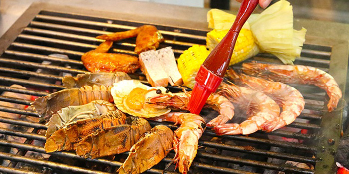 Seafood from Café 2000 at M Hotel in Tanjong Pagar, Singapore