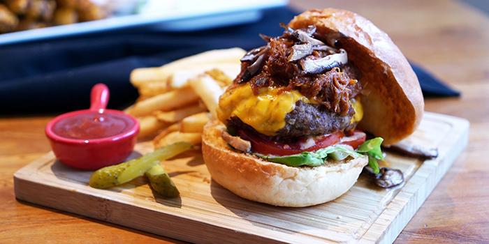 MM Madness Burger, Moreish & Malt, Hung Hom, Hong Kong