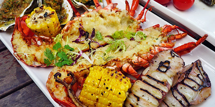 Grilled Seafood Platter from The Pelican along Fullerton Bay, Singapore