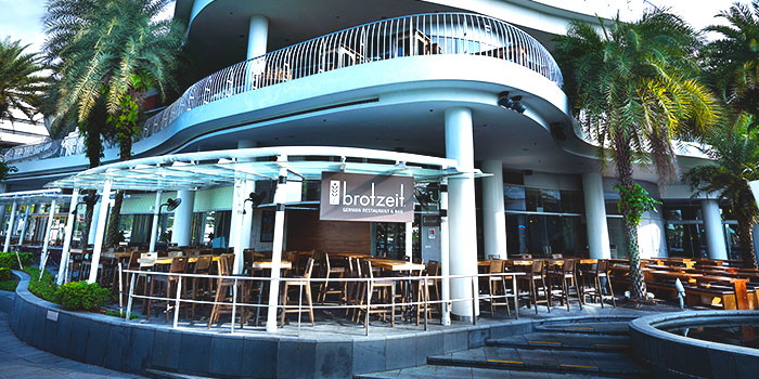 Exterior of Brotzeit German Bier Bar & Restaurant (VivoCity) in Harbourfront, Singapore