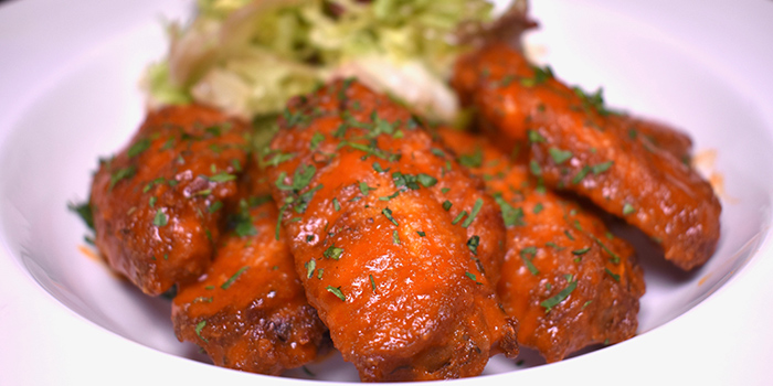 Buffalo Wings, Eiffel Bistro, Taikoo Shing, Hong Kong