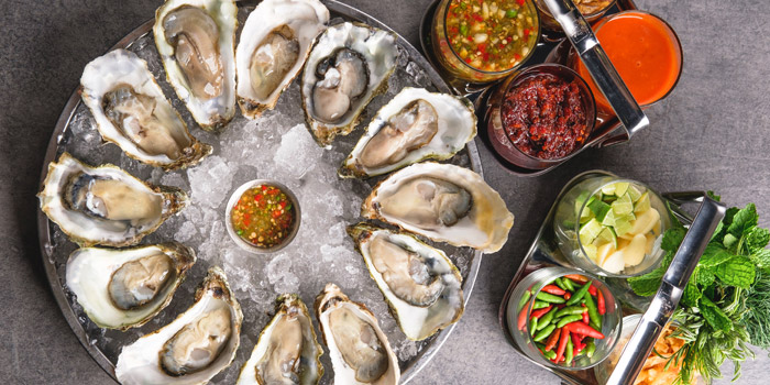 Fresh Oysters Set from Kinkao at Central World 4,4/1-4/2 4/4 Ratchadamri Rd Pathumwan Bangkok