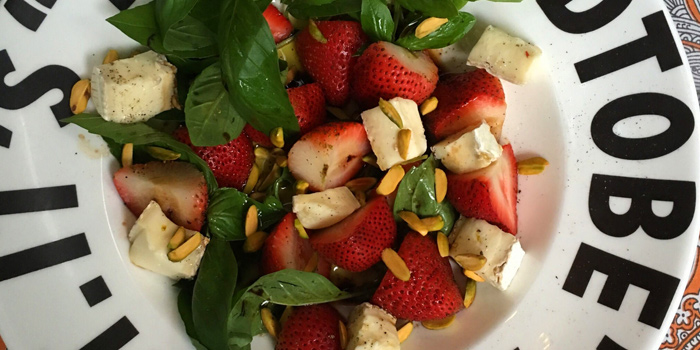 Goat Cheese Salad from It