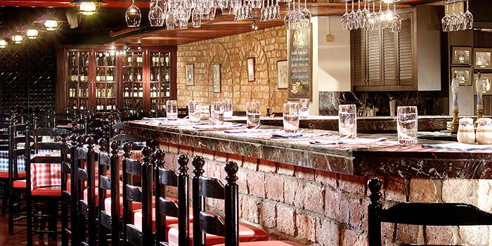 Bar at Pete
