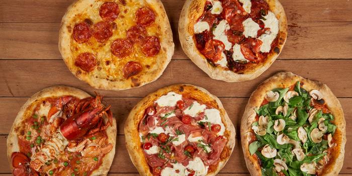 Pizza Selection from Mozza by Cocotte at EmQuartier Ground Fl., Sukhumvit Road, Klongton, Bangkok