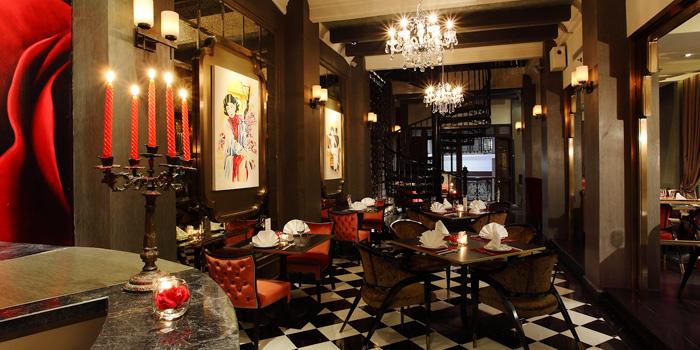 Restaurant Interior of Red Rose Restaurant & Jazz Bar at Shanghai Mansion in Yaowaraj Road, Samphantawong, Bangkok